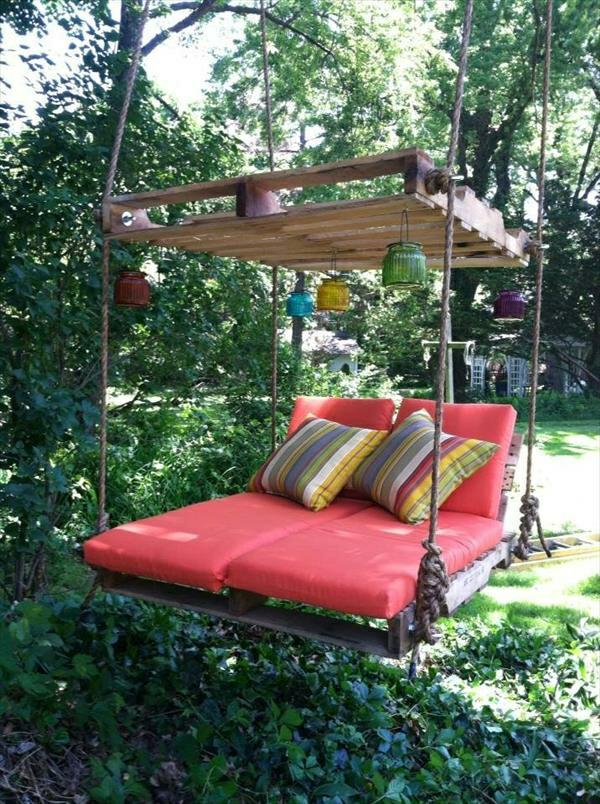 massive Holzmöbel aus Paletten matratze