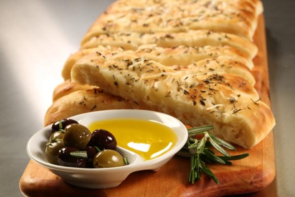 mediterrane diät focaccia rosmarin oliven
