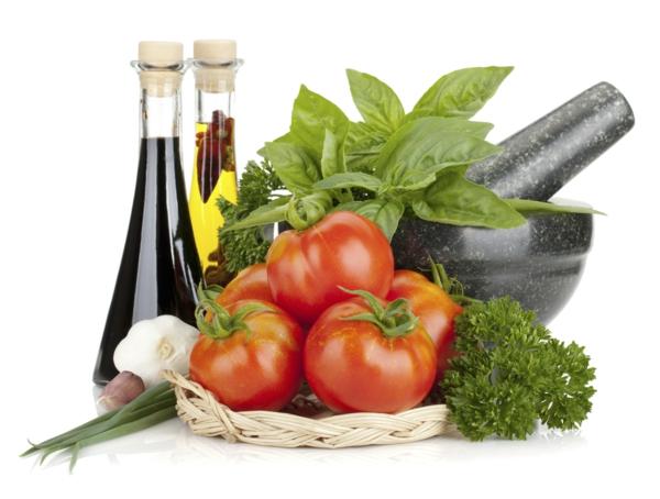 mediterrane diät frische tomaten balsamico essig olivenöl