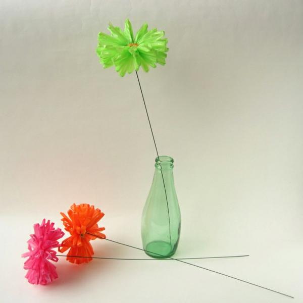 nachhaltiger konsum gerbera bunt plastiktüten