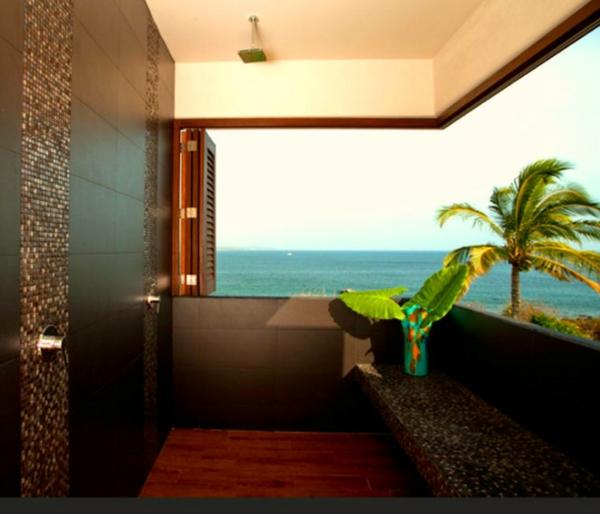 außendusche badezimmer auf der terrasse gestalten