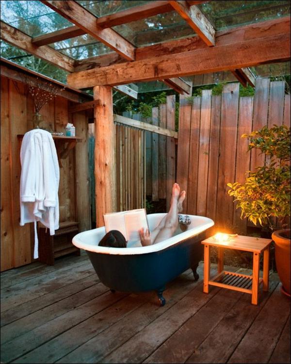 outdoor dusche sommer badezimmer badewanne freistehend
