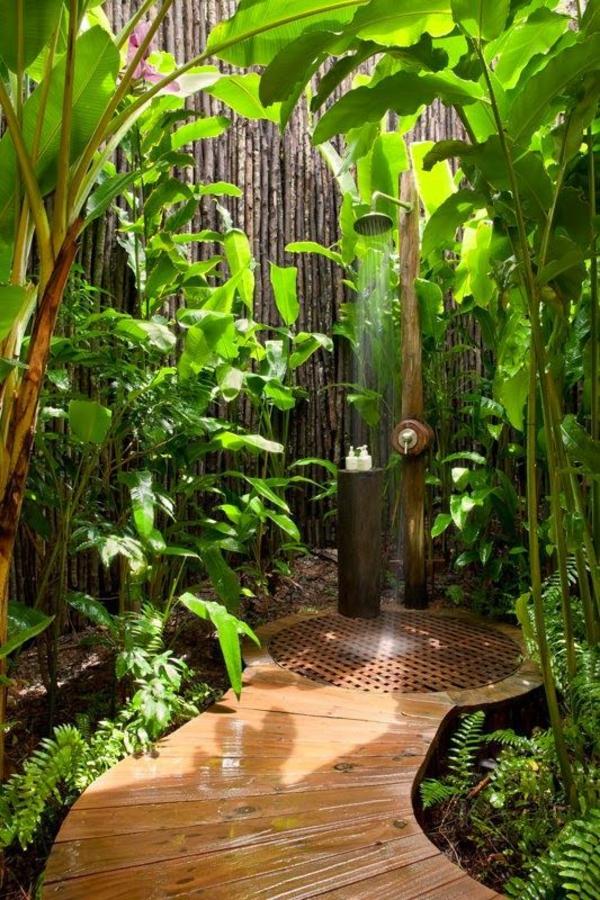 outdoor dusche sommer badezimmer holzboden garten pflanzen