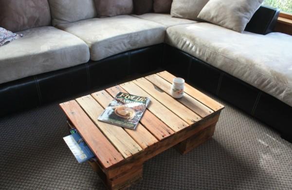 paletten-tisch-wohnzimmer-rustikal-attraktiv-funktional