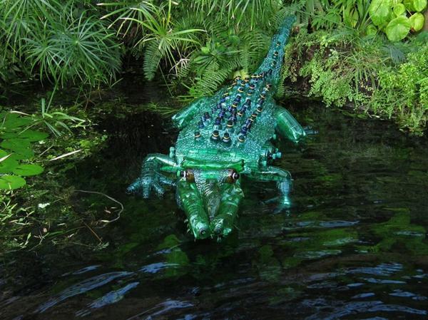 platik flaschen kunst art plastik krokodil