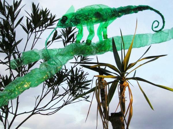pet flaschen kunst chamäleon grün
