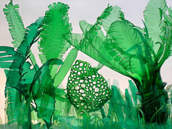 pet flaschen kunst palmen dschungel