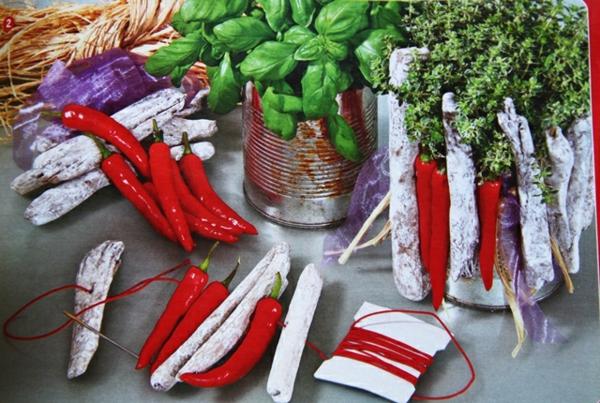 pflanztöpfe alte blechdosen holz paprika
