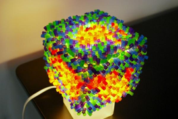 plastik kunst strohhalme bunte leuchte