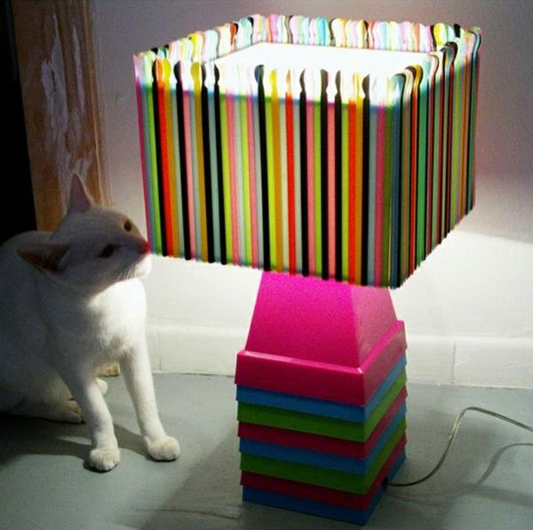 nachhaltige kunst strohhalme lampenschirm bunt