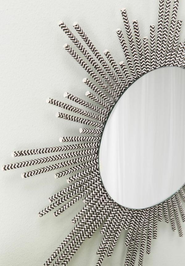 plastik kunst strohhalme wandspiegel schwarz weiß