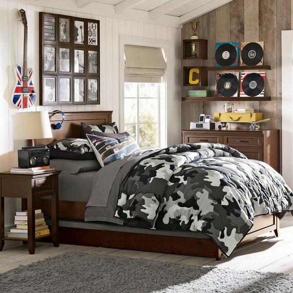 schlafzimmer design jungenzimmer gestalten hellblauer teppich hölzerne planken