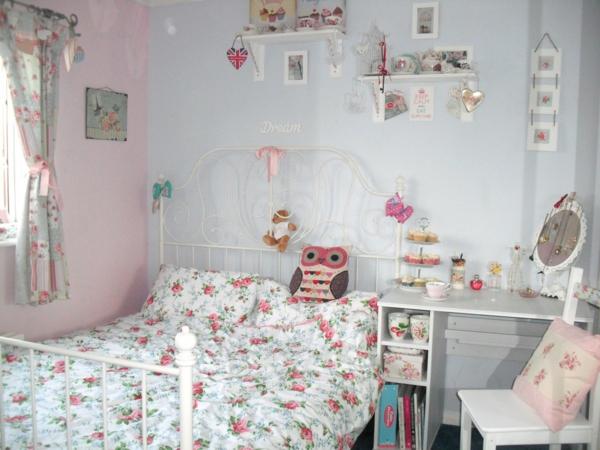 shabby chic deko schlafzimmer bettwäsche blumenmotive