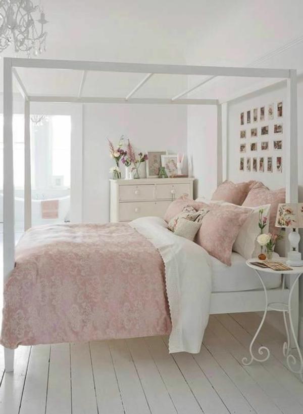 Shabby Chic Stil Schlafzimmer Dekokissen Leuchter Vintage Beistelltisch