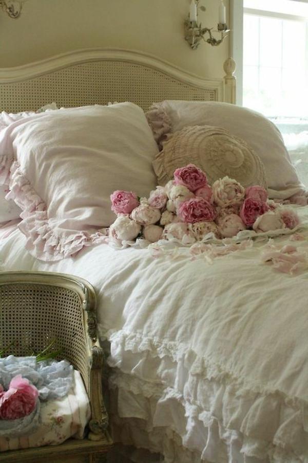 shabby chic stil schlafzimmer weiß rosen