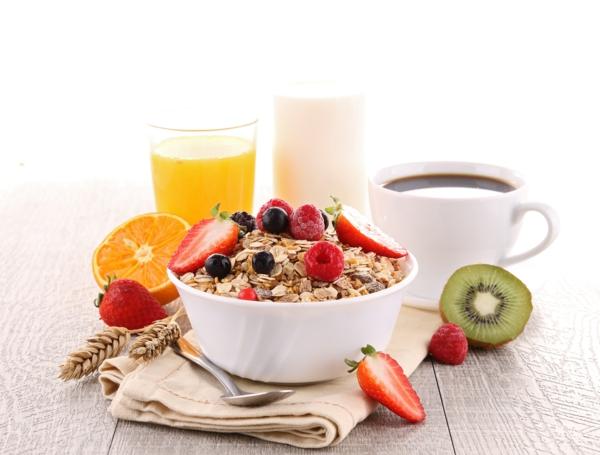 sternzeichen widder perfektes frühstück müsli obst
