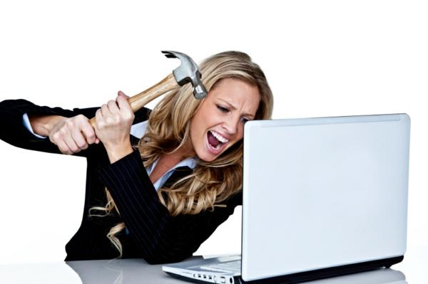 stress am arbeitsplatz aggression rechner hammer