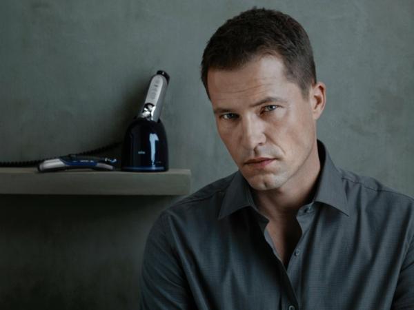 tilman schweiger deutscher schauspieler charme ausstrahlung