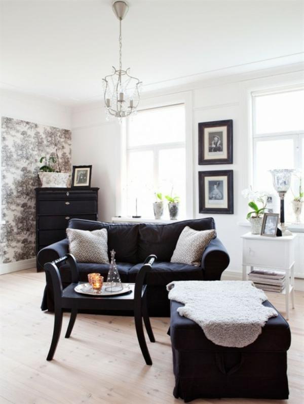 vintage einrichtung dunkle möbel holztapete weiße wandfarbe