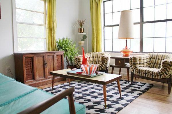 vintage einrichtung wohnzimmer sessel couchtisch teppich weiß schwarz