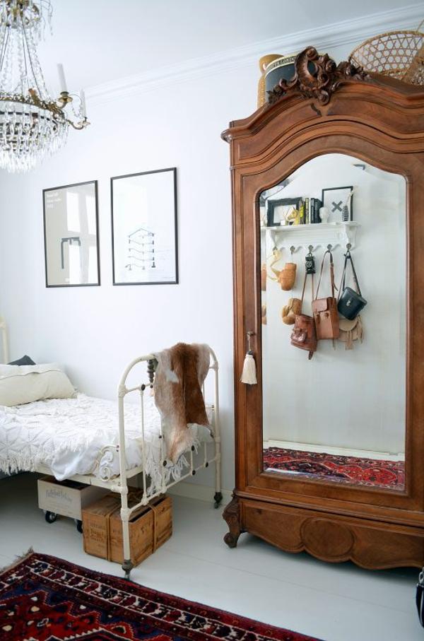 vintage möbel einrichtungsideen schlafzimmer mädchen kleiderschrank spiegel