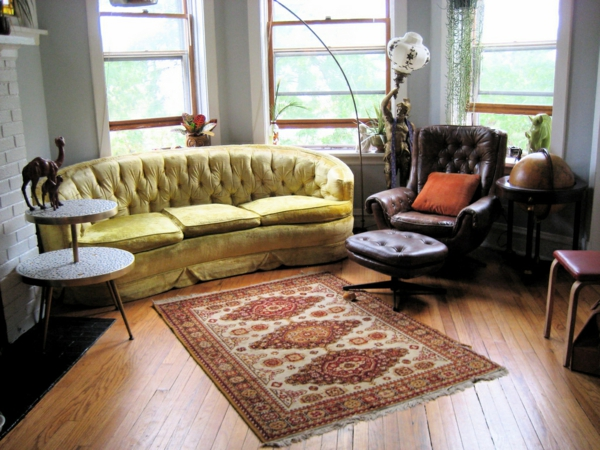 vintage möbel wohnzimmer teppich gelbes sofa sessel
