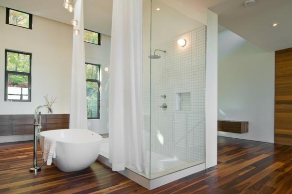 vorhang badezimmer weiß schlicht design dusche badewanne