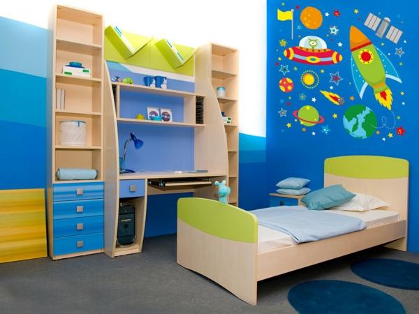 wandtattoos kinderzimmer jungenzimmer interieur holzmöbel