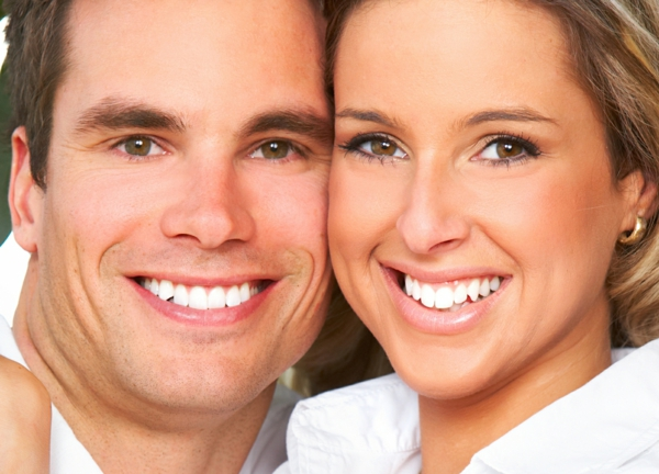 weißere zähne bekommen putzen pflegen