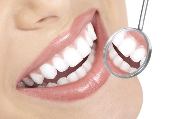 weißere zähne bekommen bananenschale