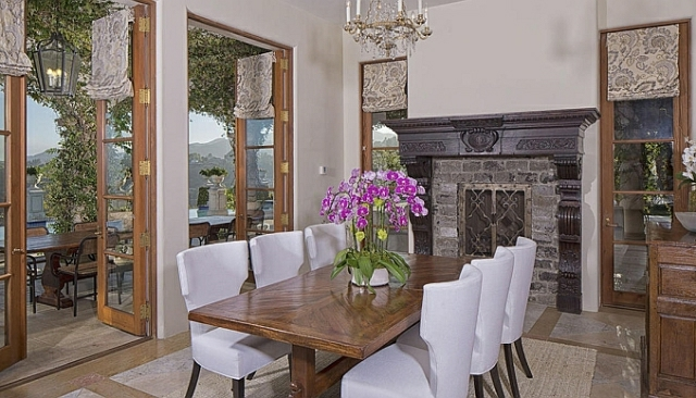 wo wohnt Heidi Klum Villa esszimmer einrichten echtholzmöbel