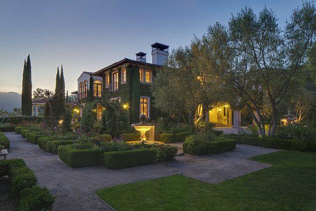 wo wohnt Heidi Klum Villa hof gartengestaltung hecke grünes leben