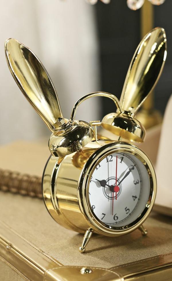 Coole Wecker dekoartikel retro design mit hasenohren gold