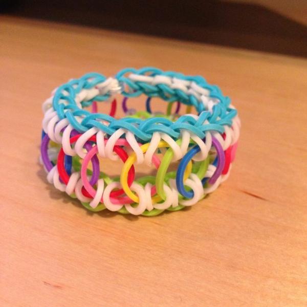 Gummiarmbänder bunte armbänder flechten kreative bastelideen