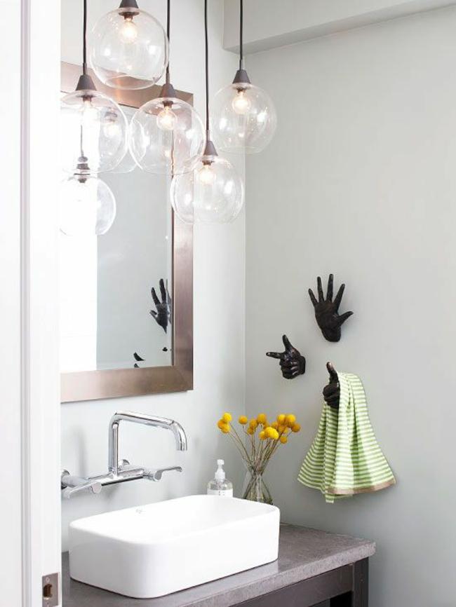 Kleines Bad gestalten wandgestaltung handtücher hacken