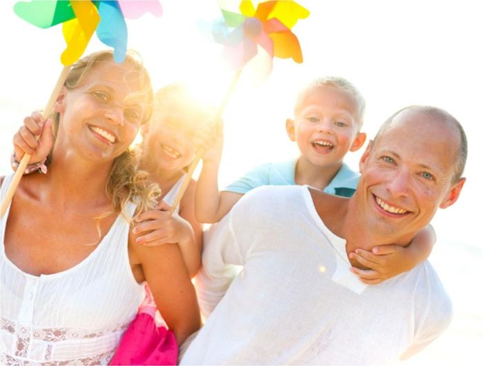 Vereinbarkeit von Familie und Beruf glückliche familie