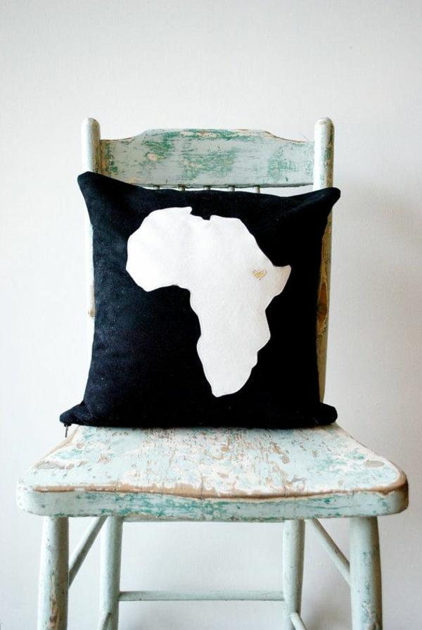 afrika deko kissen muster schwarz weiß