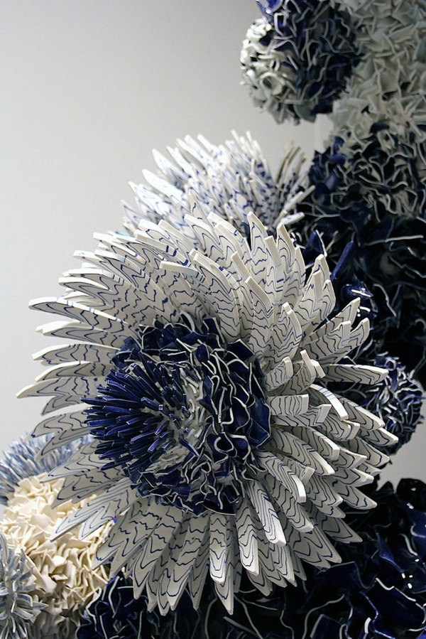 altes porzellan blüte pfingstrose blau weiß