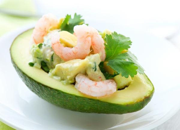 avocado rezepte gefüllt salat garnelen