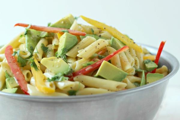 avocado rezepte nudelsalat paprika petersilie honig senf