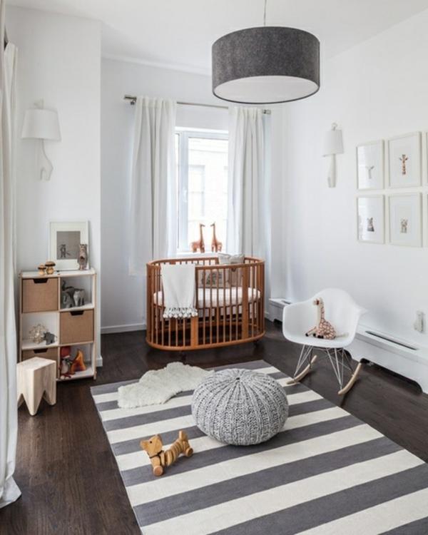 babyzimmer teppich streifen muster holzboden schöner leuchter