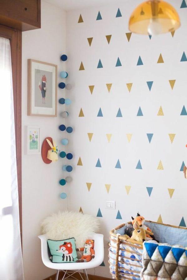 babyzimmer wandgestaltung farbige geometrische figuren