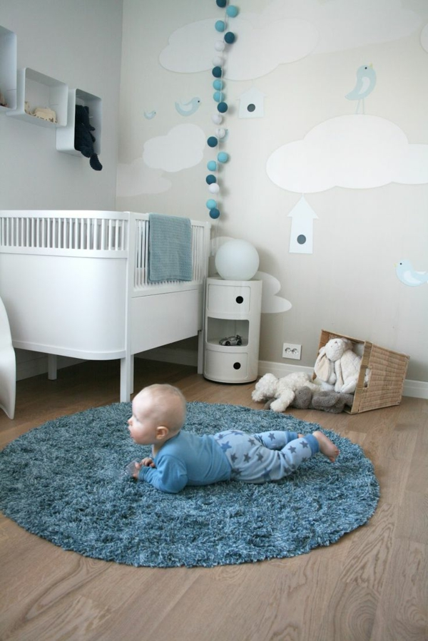 niedliche babyzimmer wandgestaltung inspirierende wandgestaltung ideen. Black Bedroom Furniture Sets. Home Design Ideas