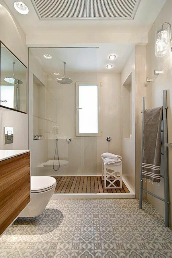 Badezimmer Renovieren Holzmöbel Holzleiter