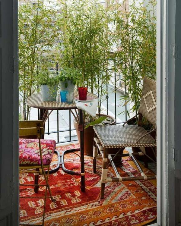 balkonbepflanzung ideen teppich balkonmöbel gemütlich
