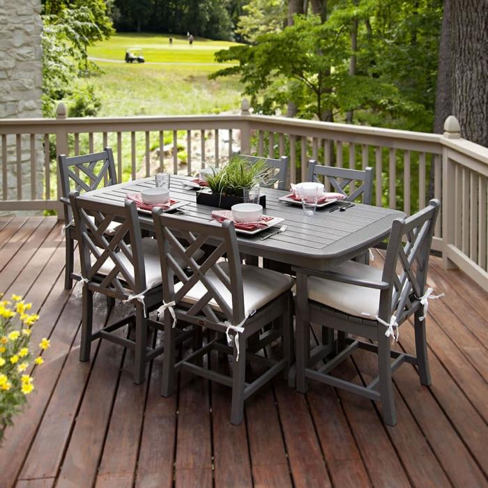 balkongestaltung außenbereich gestalten esstisch pflanzen