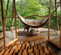 Magische Häuser aus Bambus Holz auf Bali