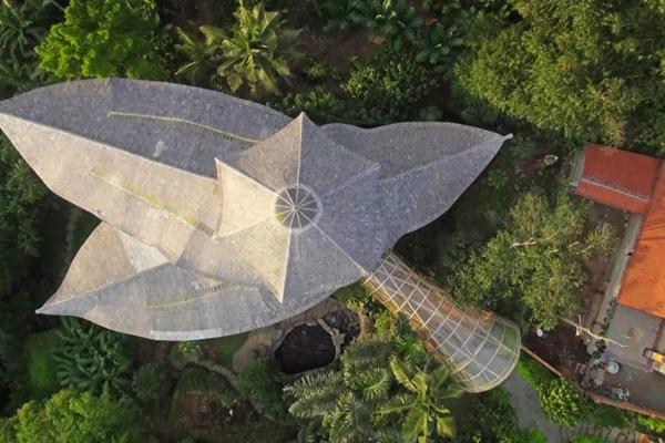bambus holz hausdach von oben