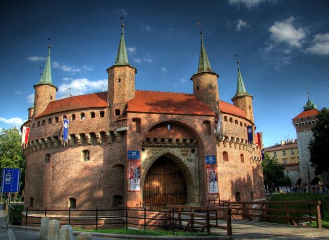 barbakan Krakau Polen sehenswürdigkeiten
