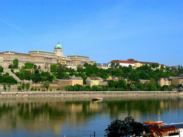 budapest sehenswürdigkeiten die hügel von buda besichtigen